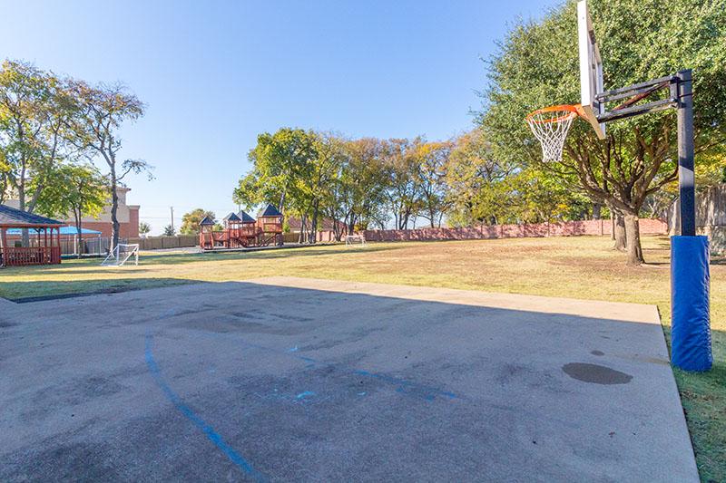 schoolers-bball-court-2